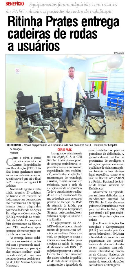 Ritinha Prates entrega cadeiras de rodas a usuários